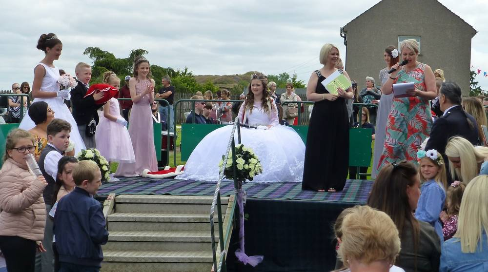 Procession to the crowning podium
