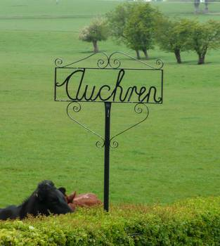 Sign at Auchren Farm, Devonburn