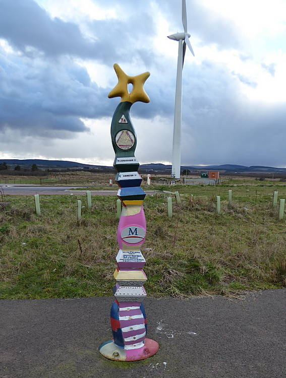 Milepost on cycleway. 17th March 2019