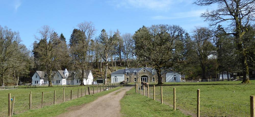 The row of cottages and the Steading