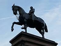 Statue in George Square