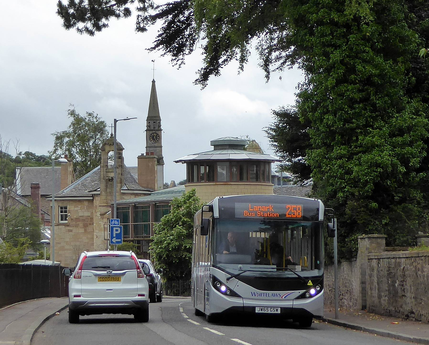 258 Lanark bus in Abbeygreen, Lesmahagow