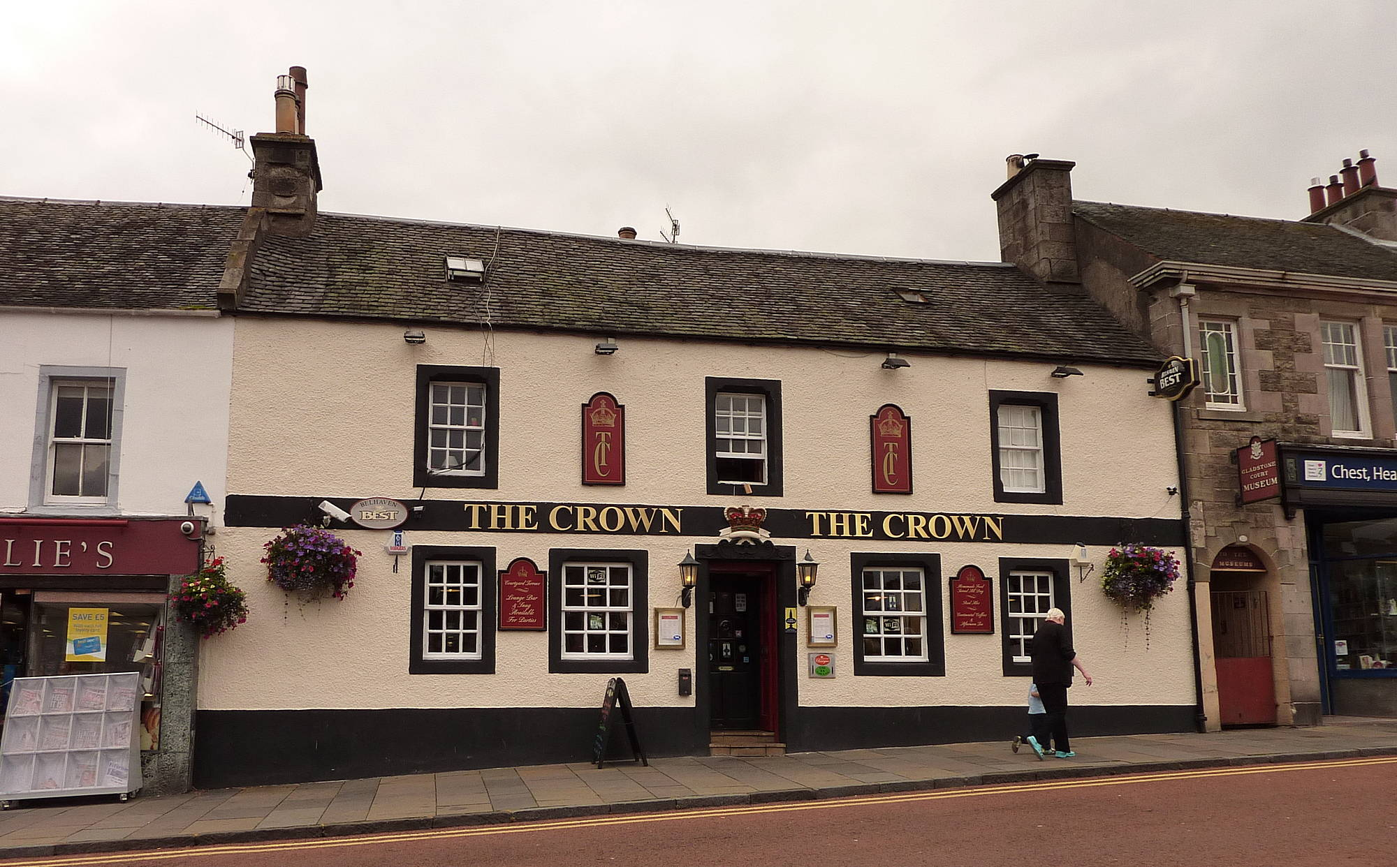 Crown Inn, Biggar