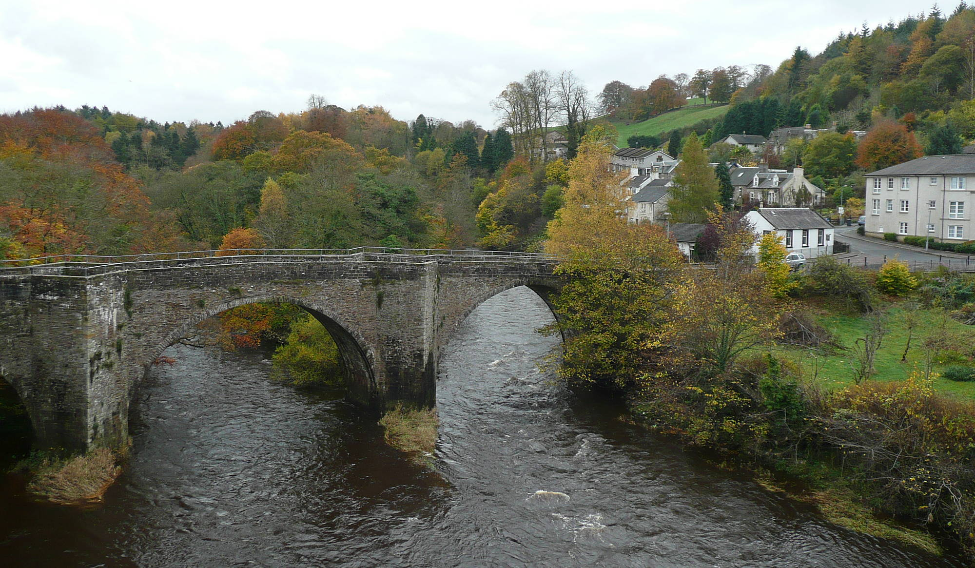 Old Clydesholm Bridge over Clyde at Kirkfieldbank