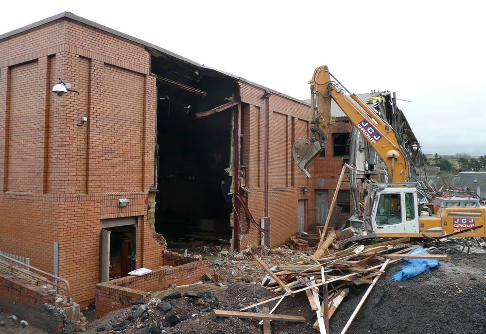 Demolition of the newer part of the old schoolv