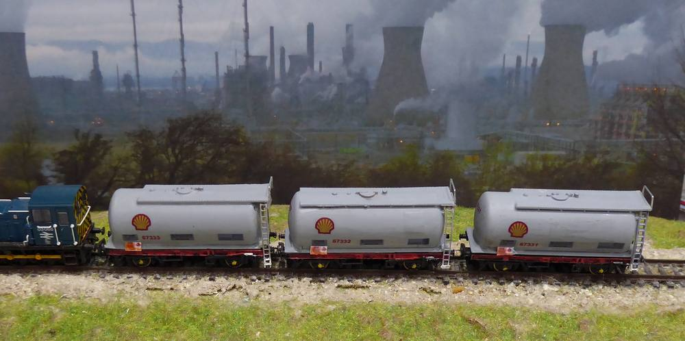 Shell Tank Wagons with Class 03 Shunter